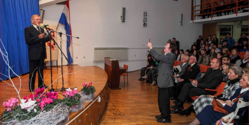 Ivanečka Gradska knjižnica i čitaonica raspisala 35. kajkavski književni natječaj Draga domača rieč 2015.