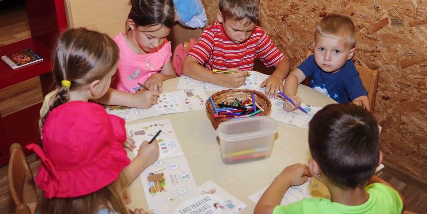 EU PROJEKT PRED ZAVRŠETKOM Učenicima i mališanima podijeljeni leci i brošure o pravilnom odvajanju otpada