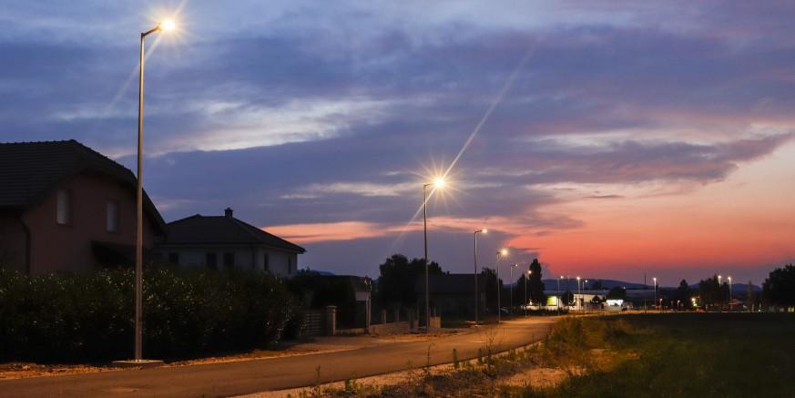 Zasvijetlila nova javna rasvjeta u Preradovićevoj ulici