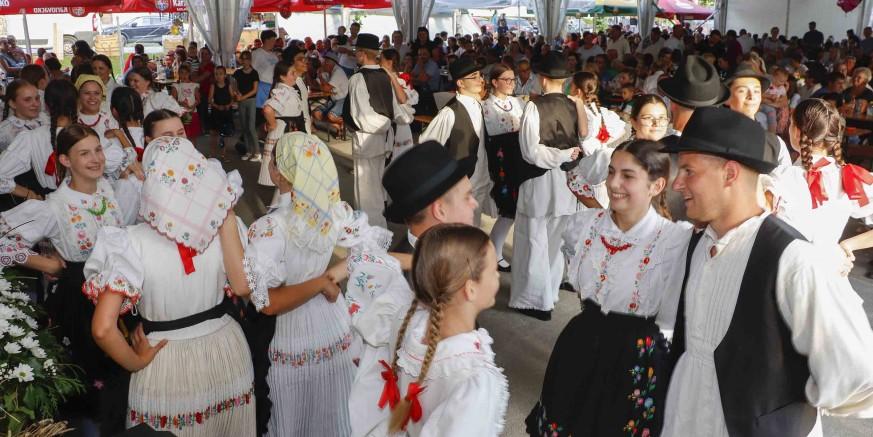 """U Margečanu održana najposjećenija manifestacija belskog kraja """"Margetje – tak se negda delalo"""""""