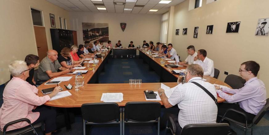 Gradsko vijeće Ivanec: Grad mora zaposliti poljoprivrednog redara, Ivkomu nove komunalne djelatnosti