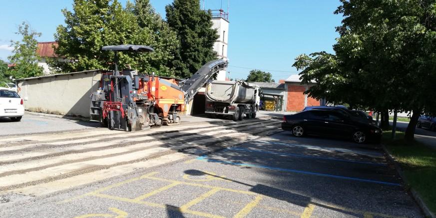 Počeli radovi na uređenju pristupne ceste i parkirališta iza FINA-e vrijedni 587.000 kuna
