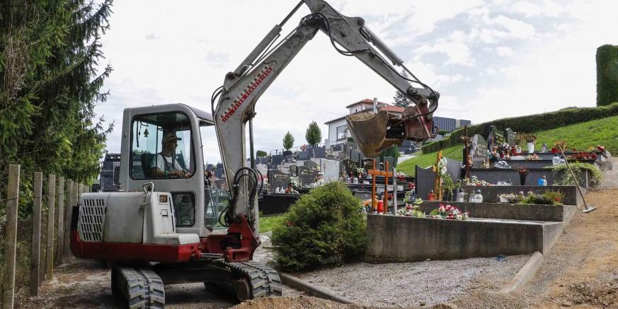 Počeli radovi na uređenju gradskog groblja Ivanec za 2019. vrijedni 360.000 kuna