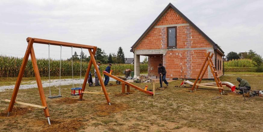 NA RADOST DJECE Montirane sprave za igru u Kuljevčici i Kaniži, idući tjedan stižu u još pet naselja