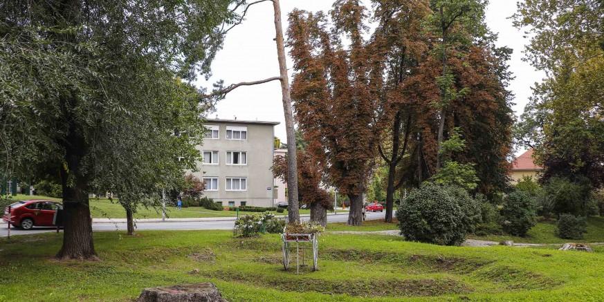 OBAVIJEST GRAĐANIMA Idući tjedan počinju radovi na rekonstrukciji glavnog parka u Ivancu