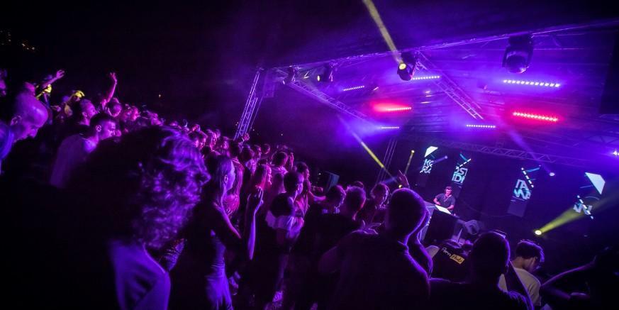 KLUB MLADIH IVANEC  Donosimo atmosferu s nedavnog Xmusic festivala elektroničke glazbe