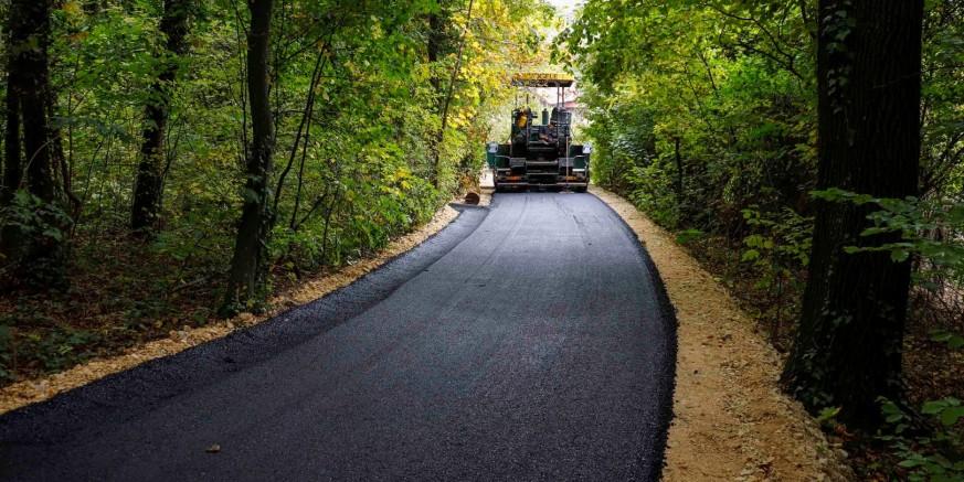 asfaltiranje1-pece-161019.jpg