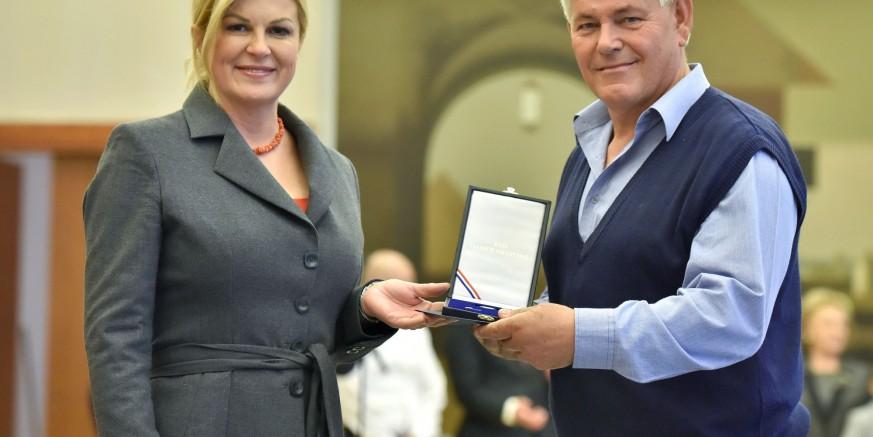 Davatelji krvi Ivan Bregović i Josip Putarek odlikovani Redom Danice hrvatske s likom Katarine Zrinske