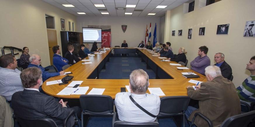 Održan sastanak gradskih čelnika s ivanečkim poduzetnicima okupljenim u Poslovnom klubu Ivanec