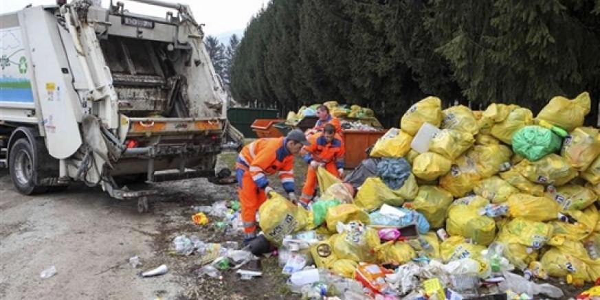 Zbog povećanih količina otpada za reciklažu, Grad Ivanec od Fonda zatražio potpore za nabavu još 70-ak kontejnera za odlaganje papira, plastike i stakla