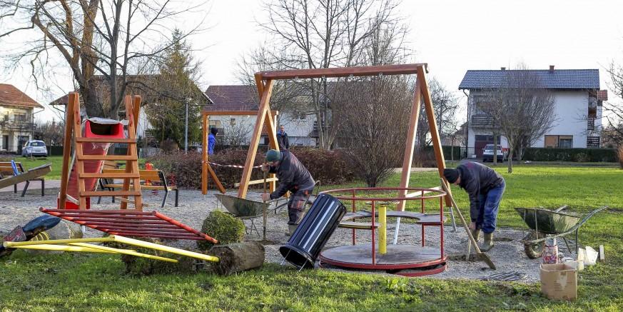 U tijeku radovi na uređenju dijela parka i dječjeg igrališta u ivanečkoj Kumičićevoj ulici