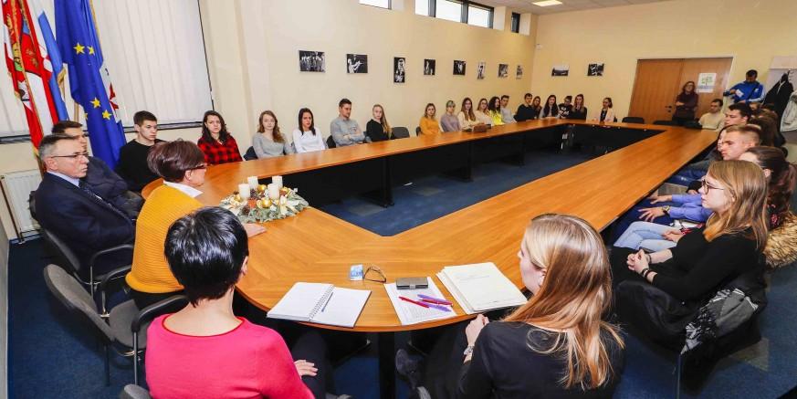 U subotu, 21. prosinca, svečana dodjela stipendija Grada Ivanca za ak. godinu 2019./2020.