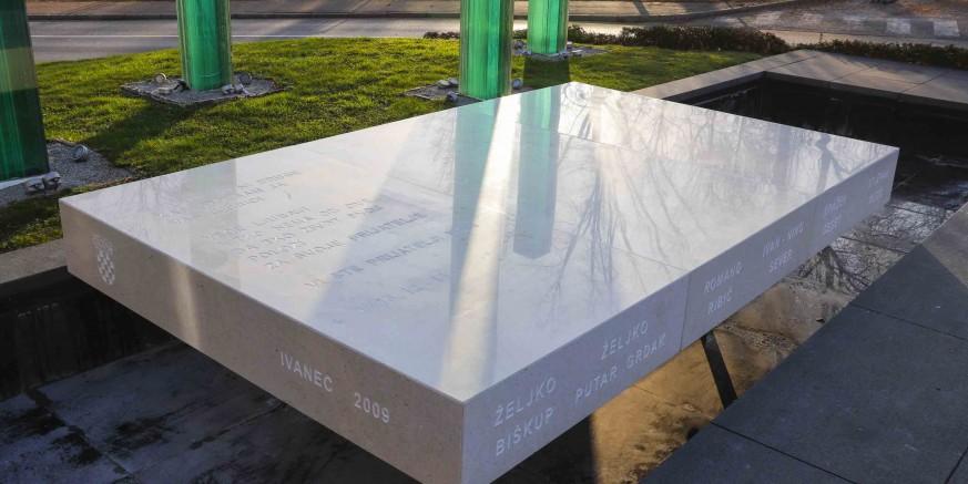 spomenik3-branitelji-201219.jpg