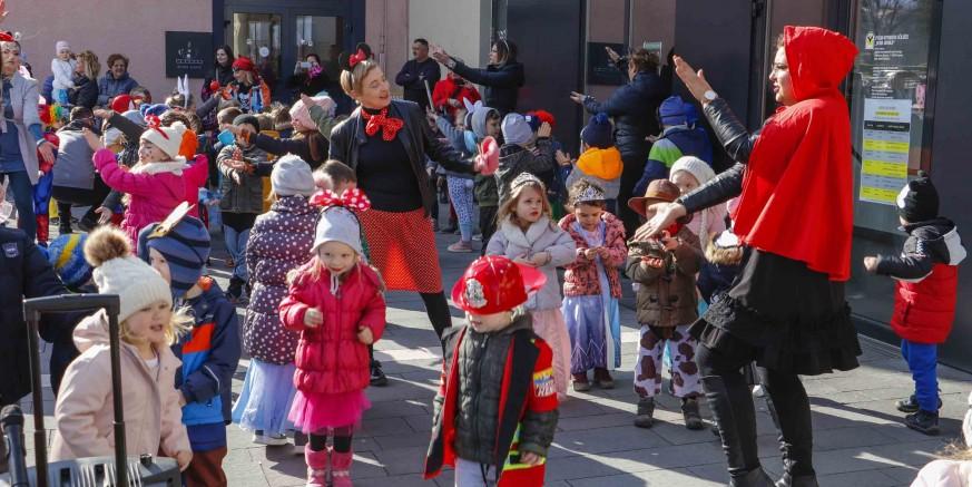 POKLADNI UTORAK Fašničko veselje malih maškara iz dječjih vrtića Ivančice i Bambi