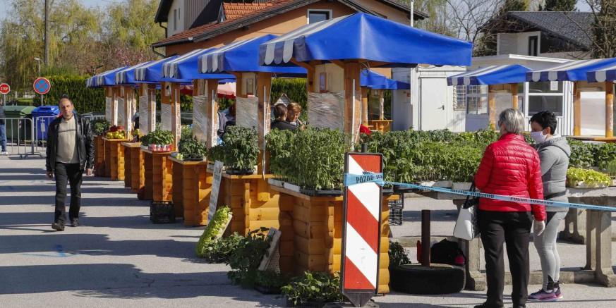 OBAVIJEST IVKOMA d.d. Cijeli ovaj i idući tjedan gradska tržnica radi svaki dan od 8 do 13 sati