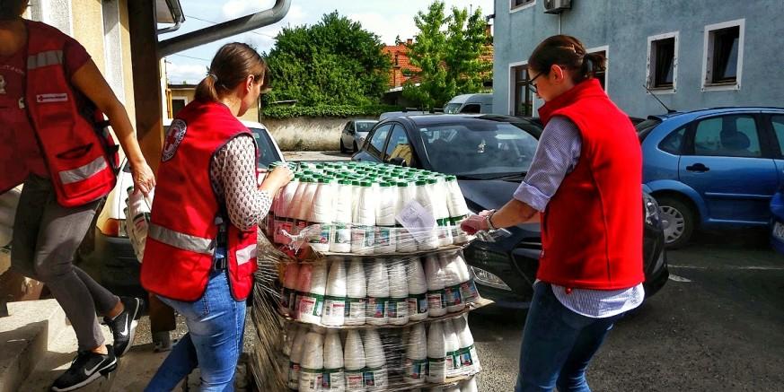 CRVENI KRIŽ IVANEC U podjeli prva donacija hrane iz IT sustava doniranja hrane