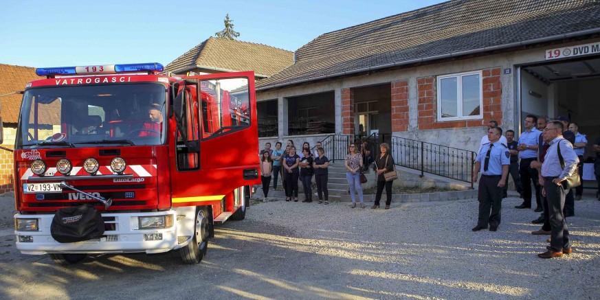 DVD-u Margečan gradonačelnik M. Batinić predao navalno vatrogasno vozilo vrijedno 400.000 k