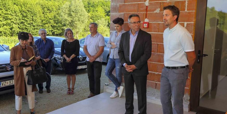 GRAD IVANEC I mještanima Škriljevca na korištenje predan novi društveni dom