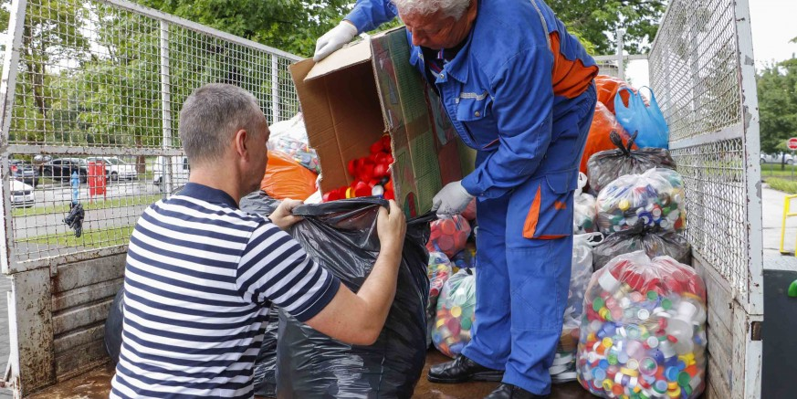 Ivanečki osnovnoškolci prikupili 500 kilograma čepova za pomoć oboljelima od malignih bolesti