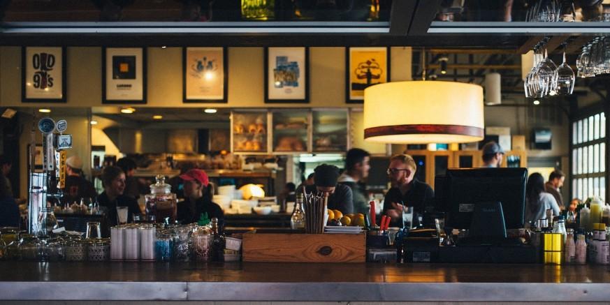 POOŠTRENE MJERE Radno vrijeme noćnim klubovima i barovima ograničeno do 24 sata