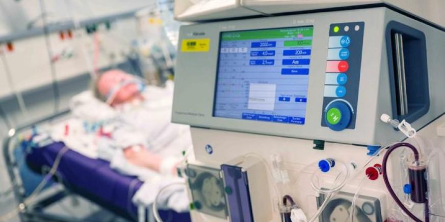 HUMANA GESTA Grad Ivanec uplaćuje Općoj bolnici Varaždin novčanu donaciju za nabavu respiratora