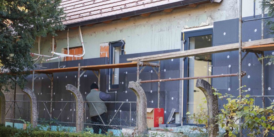 GRAD IVANEC U tijeku zadnja faza radova – bivši Retro dobiva novu fasadu i ambijentalnu rasvjetu