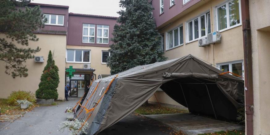 Ravnateljstvo CZ MUP-a Hrvatske postavilo šator na ulazu u Dom zdravlja Ivanec