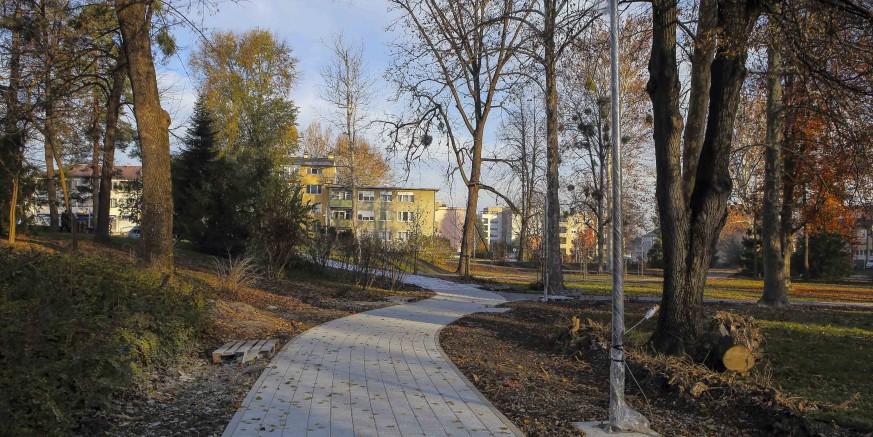radovi3-park-231120.jpg
