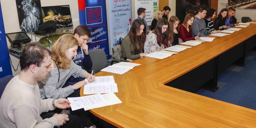 STIPENDIJE Za 50 gradskih stipendista ugovori o stipendiranju stižu elektroničkom poštom