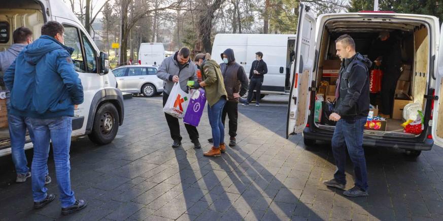 Velik odaziv građana grada Ivanca prikupljanju pomoći za razorena naselja Petrinje i okolice