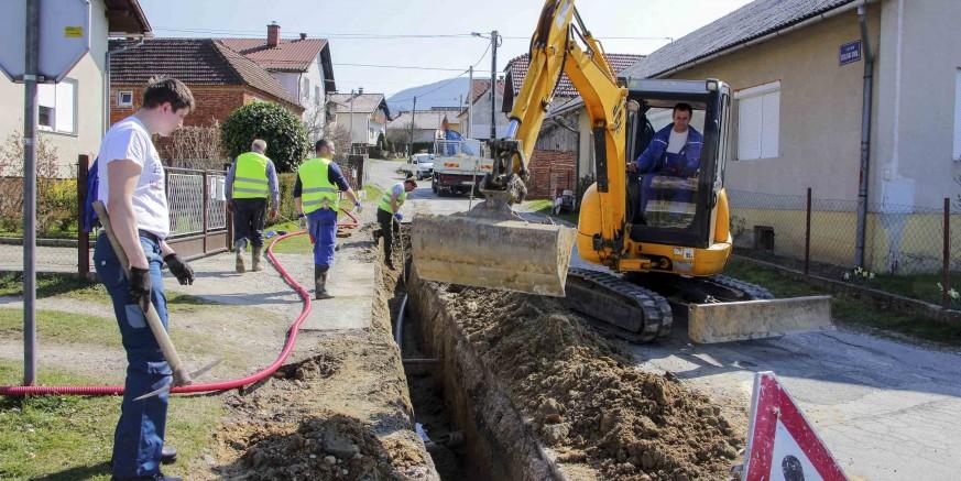 VODOVOD Počeli radovi na rekonstrukciji vodovodne mreže u ivanečkoj Ulici Zeleni dol