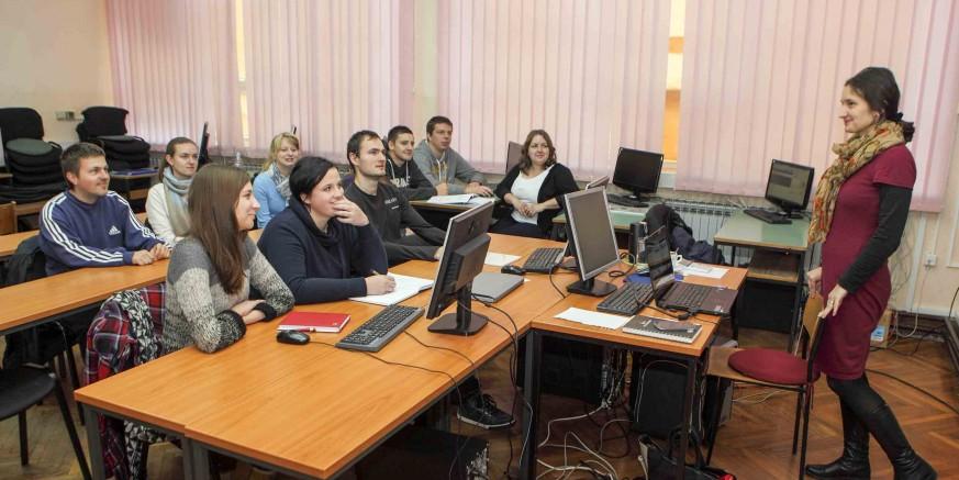 Skupina od 10 mladih, zaposlenih u Projektnom uredu Ivanec, uključena u intenzivan proces obuke i edukacije