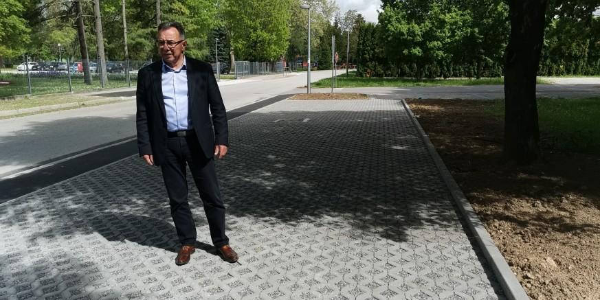 ZAVRŠENI RADOVI U Ulici ak. Ladislava Šabana novo parkiralište sa 16 parkirnih mjesta i novi nogostup