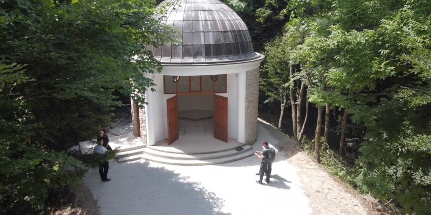 U SURADNJI GRADA I ŽUPE IVANEC Uređena kapelica sv. Ivana Krstitelja na Ivančici