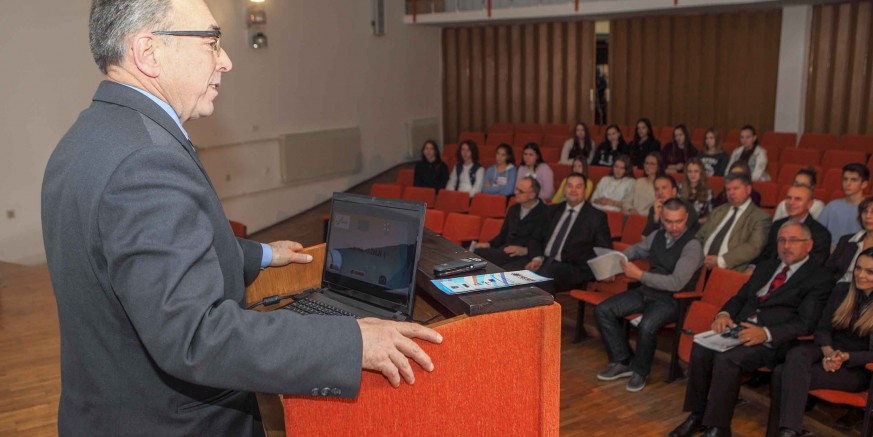 "Tiskovna konferencija: Za projekt ""Heureka"" Srednjoj školi Ivanec 1,33 mil. kuna iz Europskog socijalnog fonda"