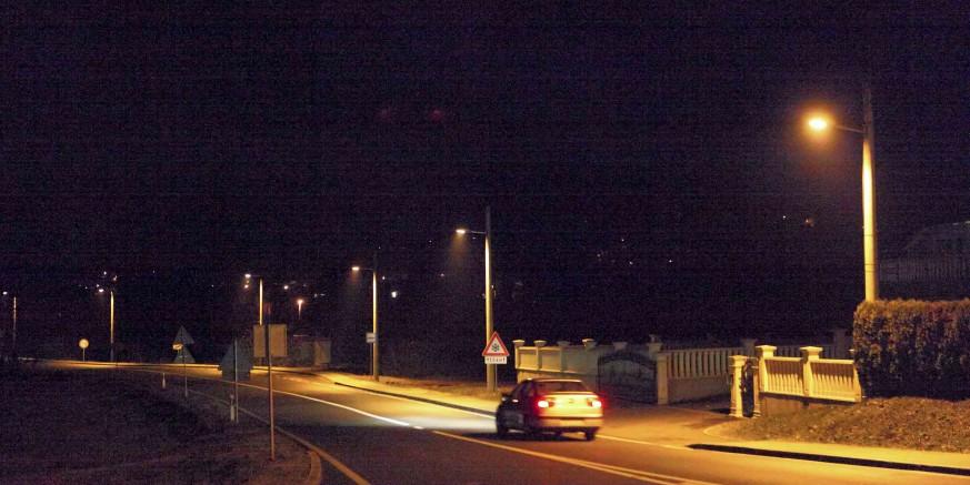 Zasvijetlilo uz nogostup pokraj državne ceste od Vuglovca do Kaniže