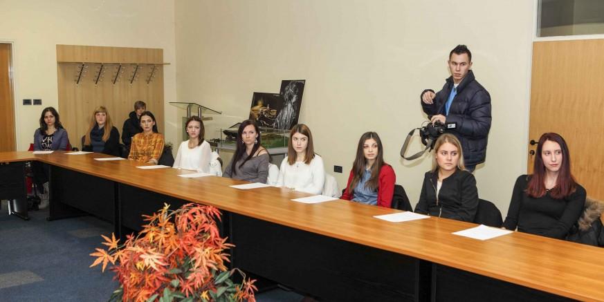 Dodijeljene stipendije novoj generaciji studenata: U ak. godini 2015./2016. Grad Ivanec stipendira 42 studenta