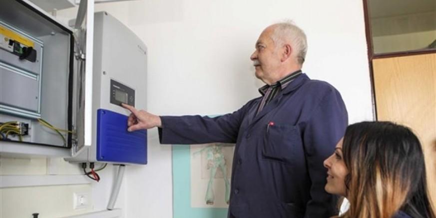 Srednja škola u projektu obnovljivih izvora energije vrijednom 140.000 kuna: U rad puštena Sunčana elektrana snage 10 kW