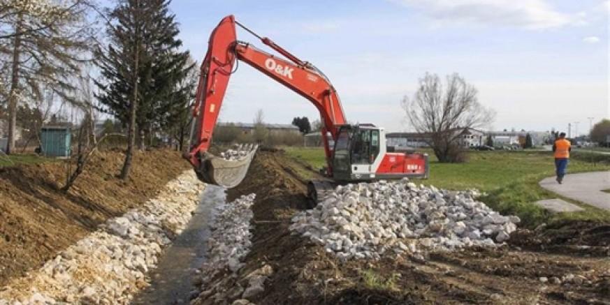 Temeljem dogovora Grada i Hrvatskih voda - Ispostave u Varaždinu, radovi na tehničkom uređivanju Ivanuševca